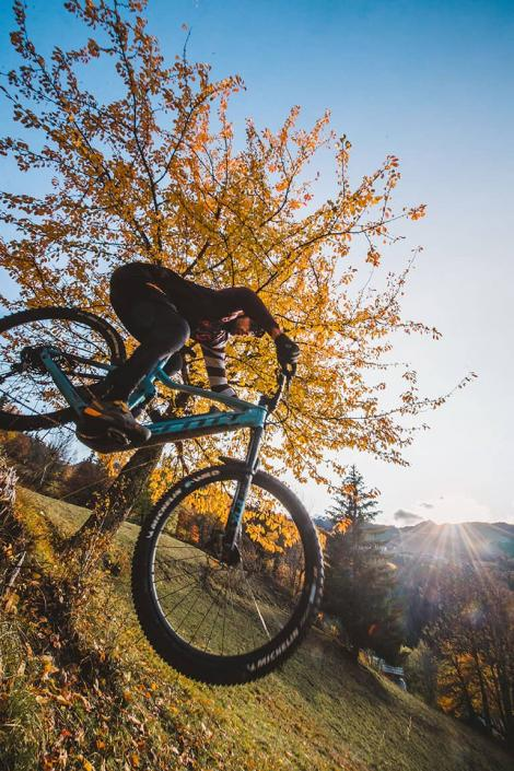 VTT en automne dans Les 3 Vallées