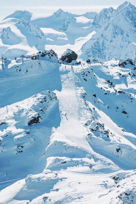 Une vue du domaine skiable des 3 Vallées depuis la station de Courchevel : des panoramas uniques extraordinaires !
