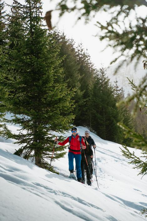 Snowshoes hikes and walks with an esf instructor in Les 3 Vallées