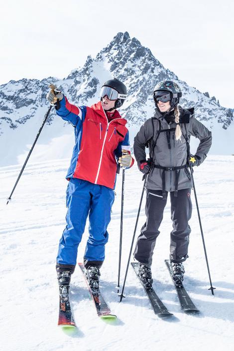 Cours de ski adulte avec un moniteur de l'esf des 3 Vallées