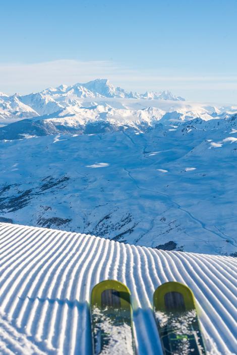 Ski sur piste damée aux Menuires à la Masse