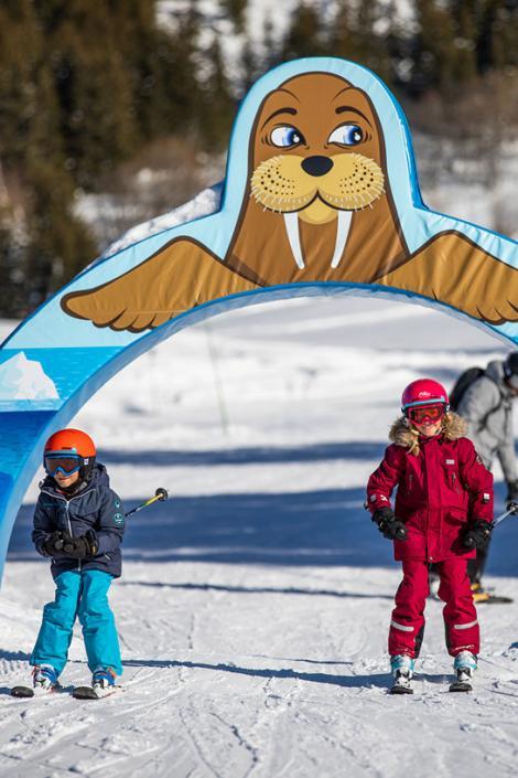 Piste des Inuits, espace ludique idéal pour les familles dans Les 3 Vallées !