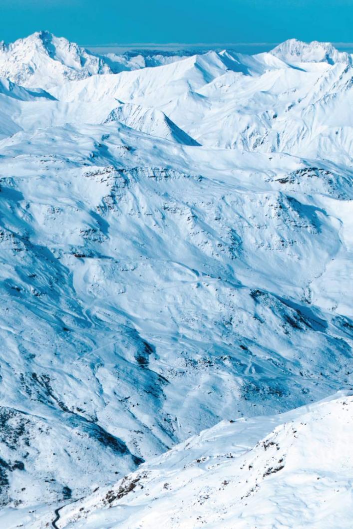 Explore the world's largest ski area : Les 3 Vallées
