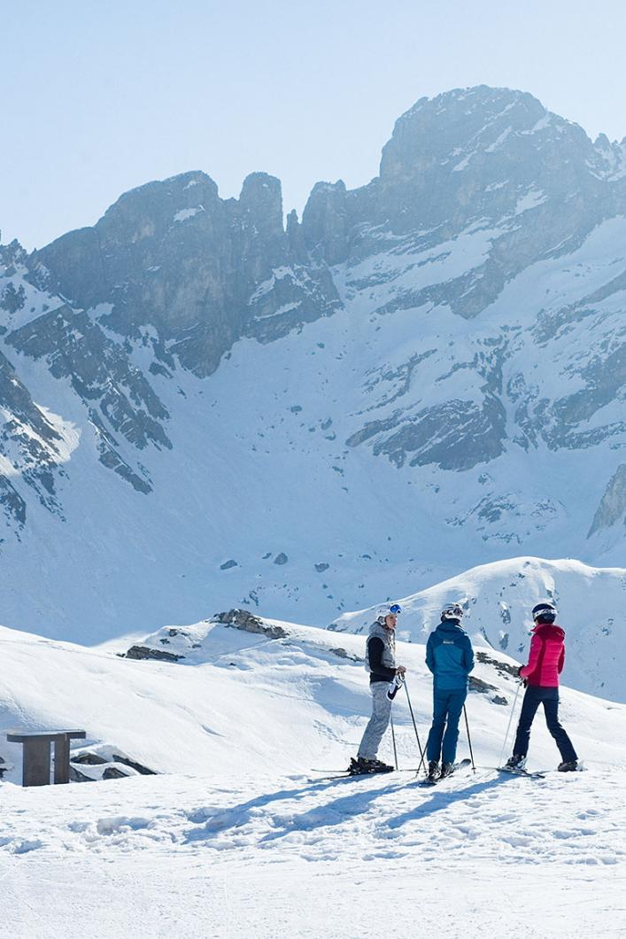 Stay in January with friends in Les 3 Vallées : enjoy the 3 Vallées Tribu Pass