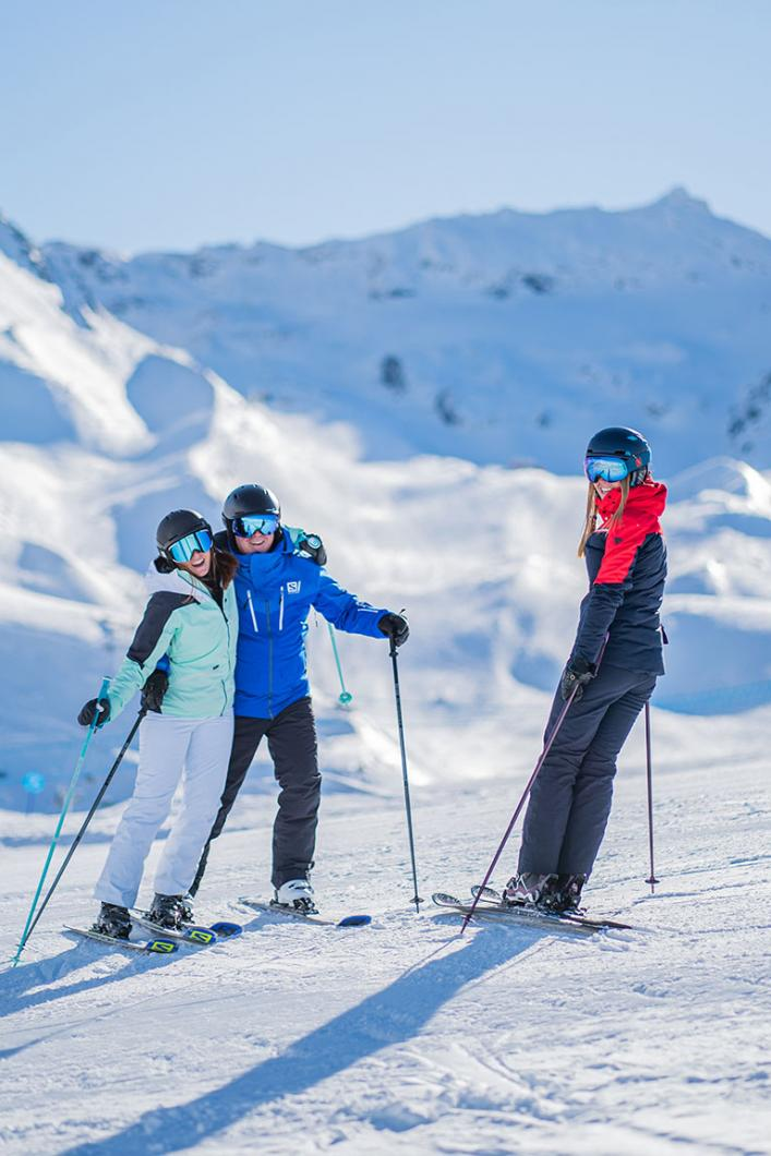 Skiing with friends on the slopes of Val Thorens
