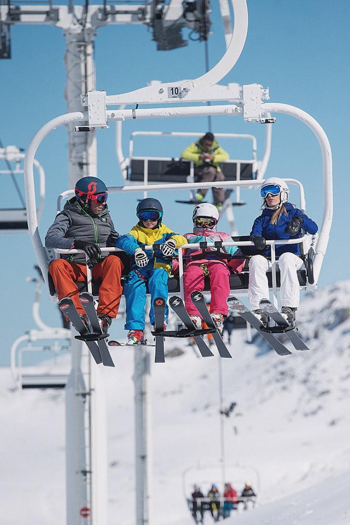 Ski en famille dans Les 3 Vallées, le plus grand domaine skiable du monde