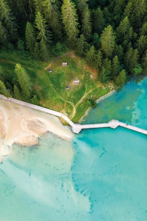 Natural and artificial lakes in Les 3 Vallées for families